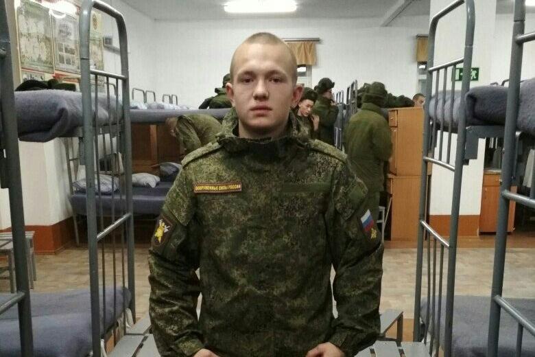 На момент трагедии Евгений прослужил в армии чуть больше двух месяцев