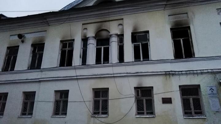 Пожар в Тутаеве оставил жителей левобережной части без связи и интернета