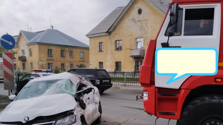 Двое пострадали в аварии с пожарной машиной на Богдана Хмельницкого