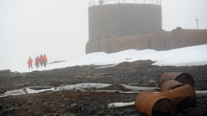 Украли полмиллиарда, вернут миллион: бывших руководителей нефтебазы отправили в колонию