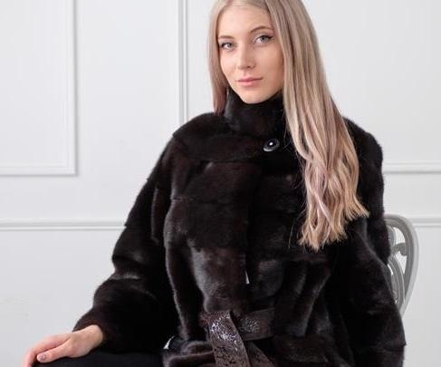 От классики до «Летучей мыши»: для модниц Волгограда открывается большая ярмарка меховых изделий