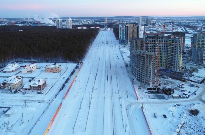 С высоты птичьего полета новый проспект выглядит красиво. Но местные жители не прочь, чтобы на этом пейзаже добавилось автомобилей