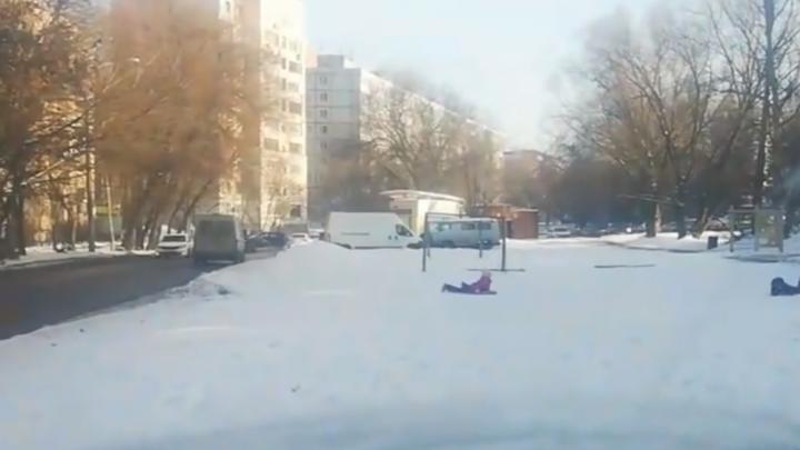 В ГИБДД предупредили нижегородцев об опасности катания на «ватрушках»