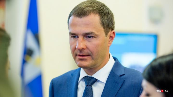 «Информация не соответствует действительности»: мэр Ярославля показал дипломы о высшем образовании