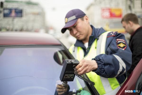 Сотрудники ГИБДД проверяли стёкла водителей девять дней