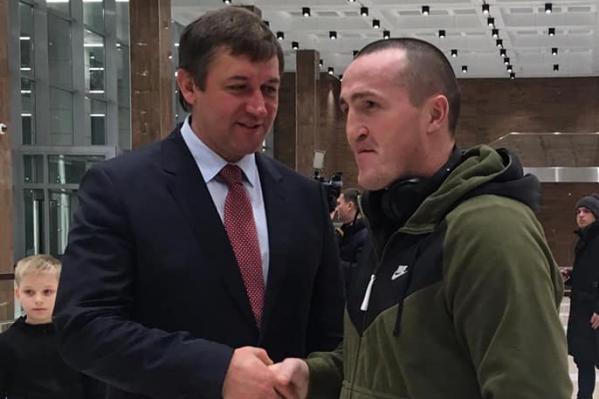 Лебедев решил прилететь в Красноярск за две недели до боя