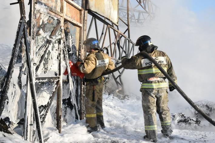 Арочник, где начался пожар, спасти не удалось