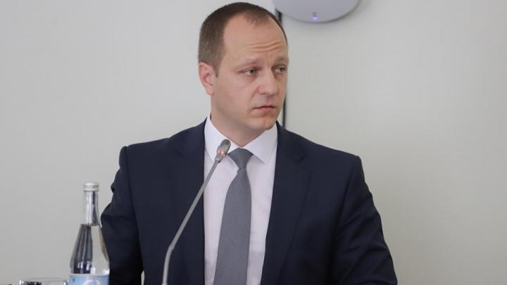 Логвиненко пригрозил ростовскому чиновнику увольнением «по недоверию»
