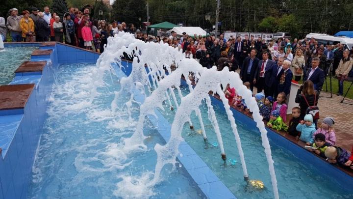 Запущенному менее месяца назад фонтану на Рокоссовского уже нужен ремонт