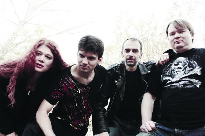 Новосибирская рок-группа выпустила первый профессиональный клип на песню «Благослави меня на битву» со своего первого официального альбома «Ещё один шаг»