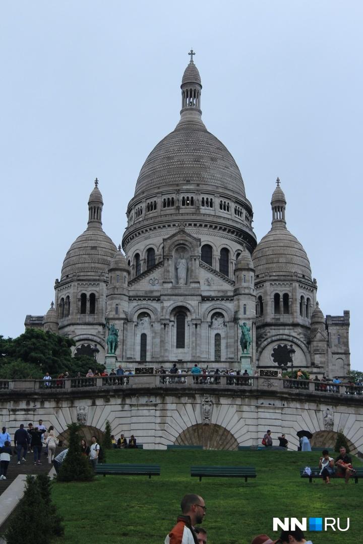 А ещё в этой церкви самый быстрый публичный Wi-Fi в Париже