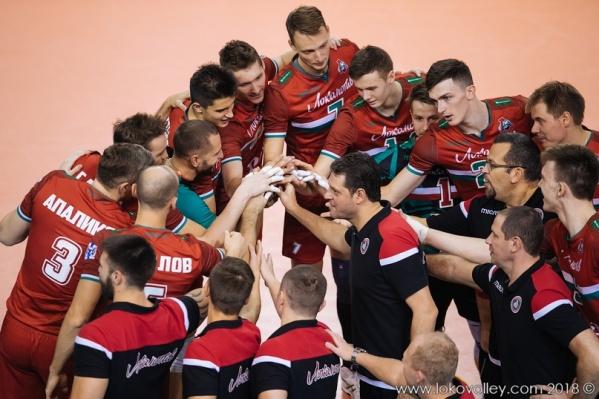 Новосибирские волейболисты одержали уверенную победу