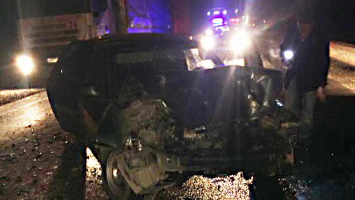 На трассе в Башкирии столкнулись легковушка и фура