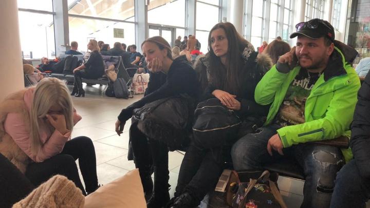 Пассажиры «Победы», летевшие в Краснодар из Екатеринбурга, девять часов просидели в аэропорту