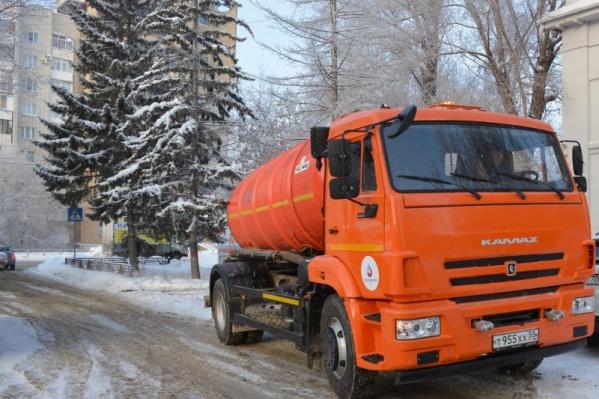 С утра на улице возле дома № 160 на улице Омской будет стоять машина с питьевой водой