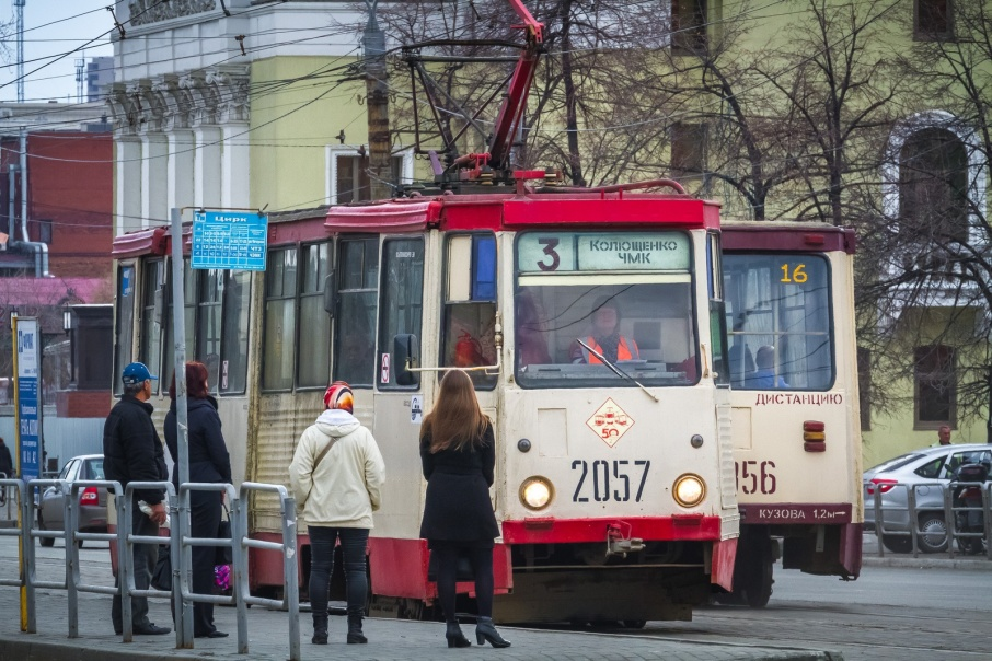 Пока трамвай ходит до садов только по выходным