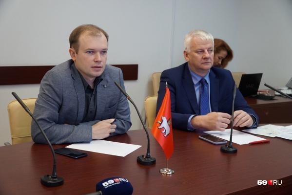 Анатолий Путин и Сергей Канцур отвечают на звонки пермяков