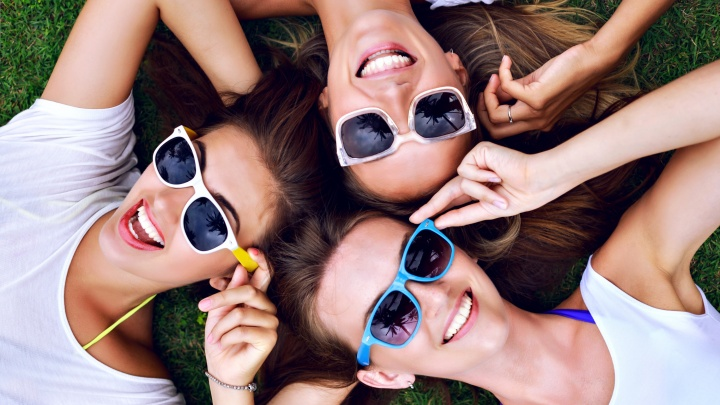 Горячие скидки до 70% на солнцезащитные очки приготовили для покупателей в салонах «Фокус»