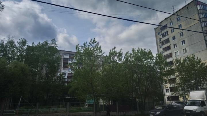 «Даже кино не смогли посмотреть». Жители микрорайона Балатово остались без электричества