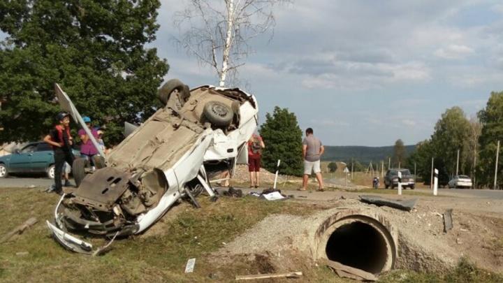В Башкирии Daewoo Nexia врезалась в столб: погиб водитель