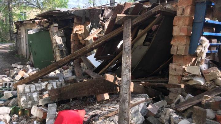 В мэрии схалтурили: в Нижнем Новгороде возбудили уголовное дело из-за обрушения стены сарая на детей