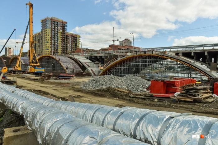 На Макаровском мосту планируют заливать второй ряд новых арок