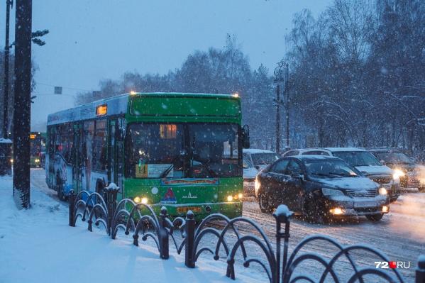 Вечером 31 декабря перевозчики сокращать количество автобусов на маршрутах не планируют (и это хорошо)