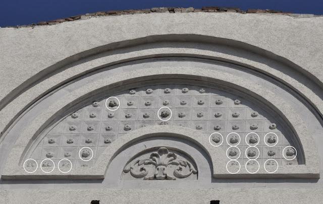 И так сойдет: топ-6 изуродованных фасадов исторических зданий Ростова