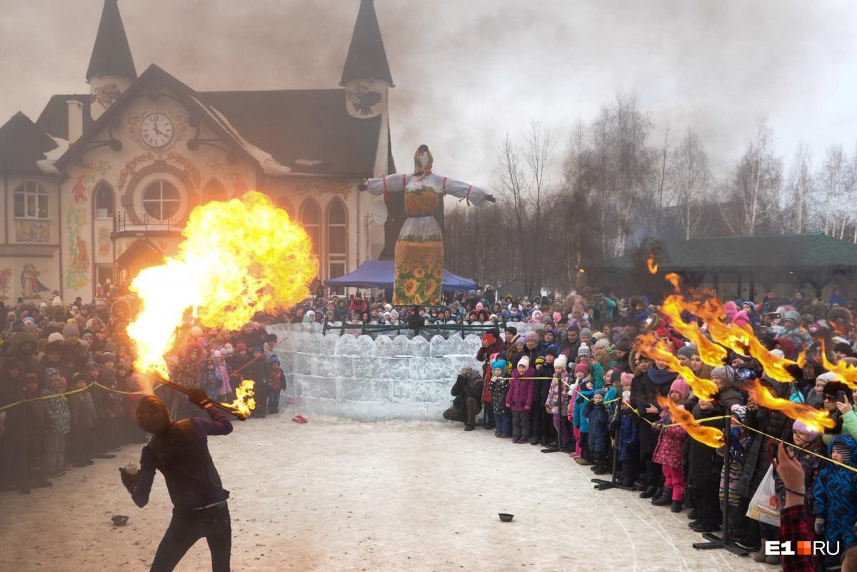 Закончились гулянья традиционным сжиганием чучела