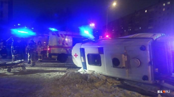 ДТП произошло на перекрестке проспекта Седова и улицы Надеждинской