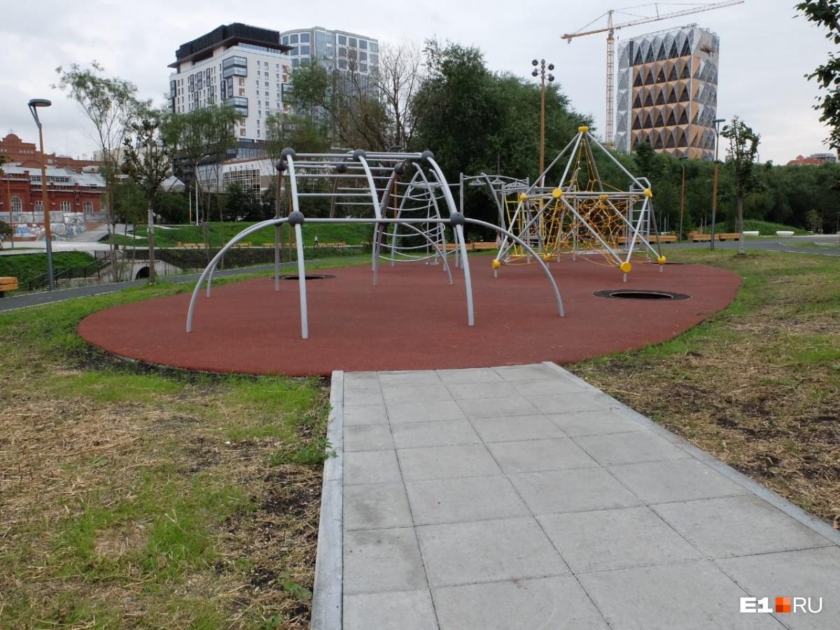 Так выглядит детская площадка