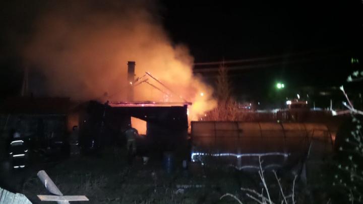 На Химмаше сгорел жилой дом, за который последние полгода боролись две женщины