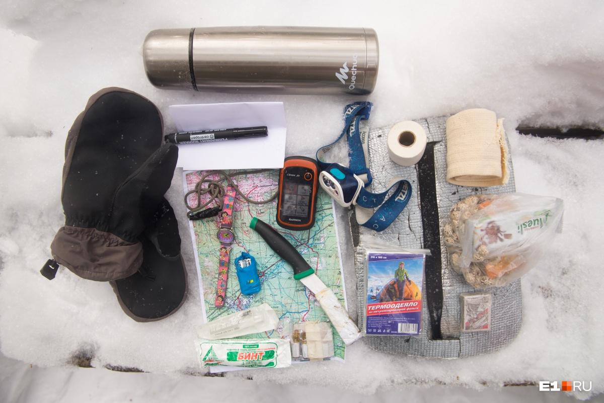 Как примерно выглядит набор необходимых в очень коротком зимнем походе вещей