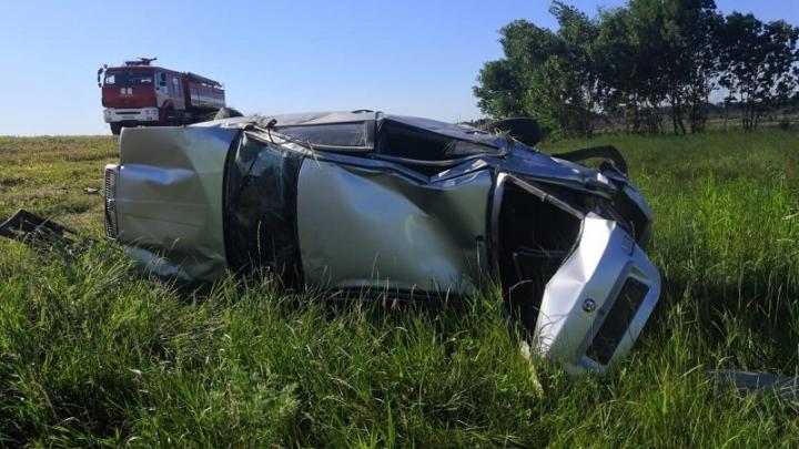 Смертельная авария: под Волгоградом иномарка на высокой скорости улетела в кювет