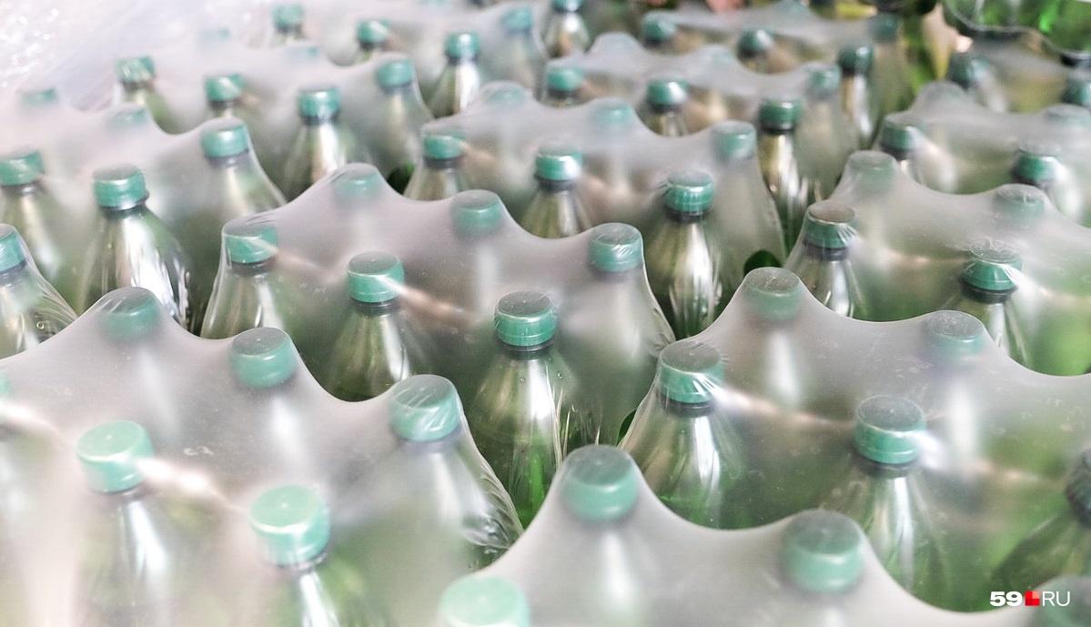 Полиция изъялаболее 60 тысяч бутылок объемом по 0,5 литра