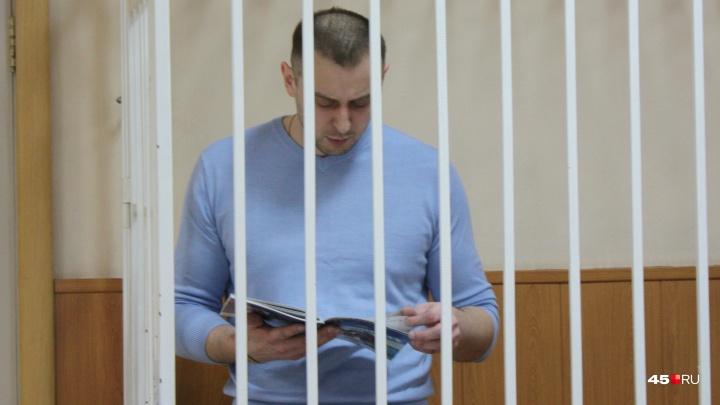 «Я не брал никаких свертков с деньгами»: Владимир Рыжук начал давать показания в суде