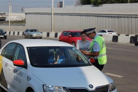 23 нарушения за два часа: в Челябинске прошла массовая проверка такси
