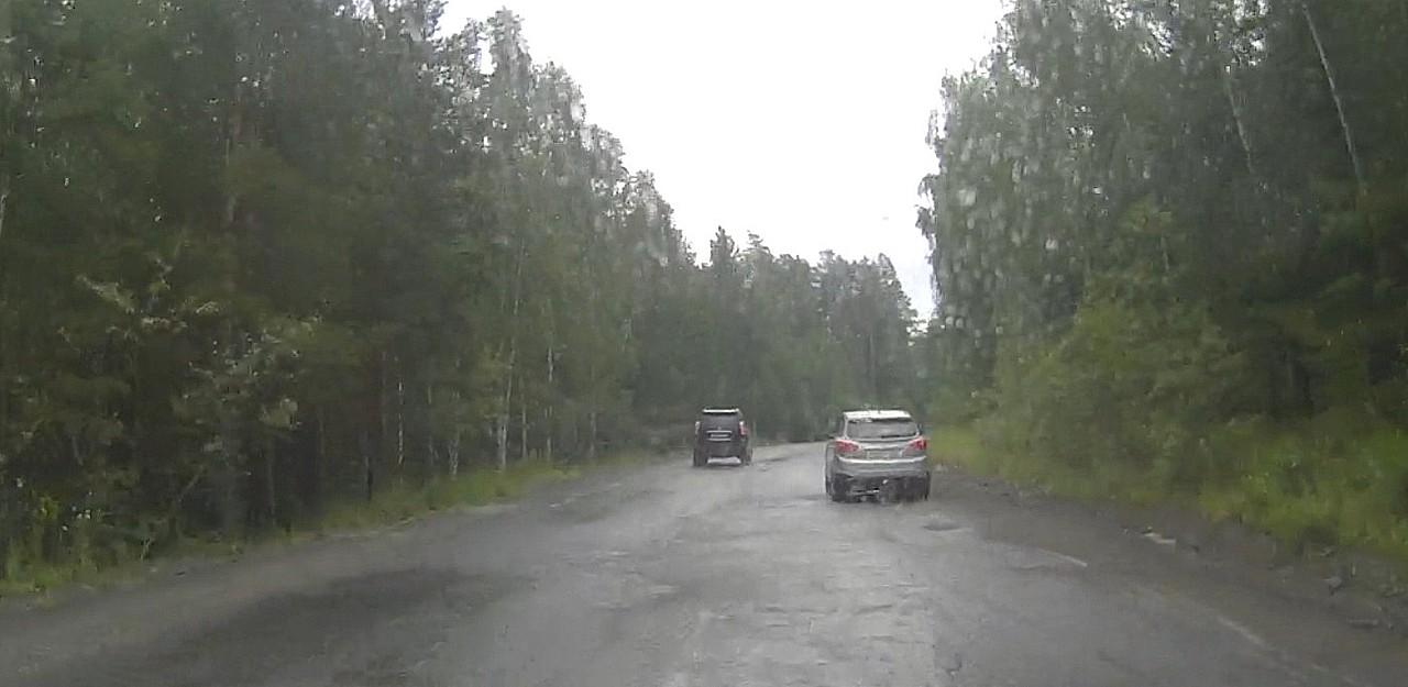 Lexus ехал по встречной полосе дольше, чем требовалось для обгона