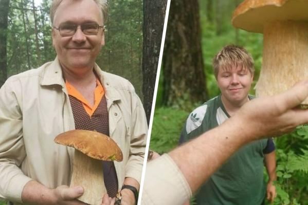 Супруг Дарьи позирует с огромным грибом — такой они нашли недалеко от Красноярска