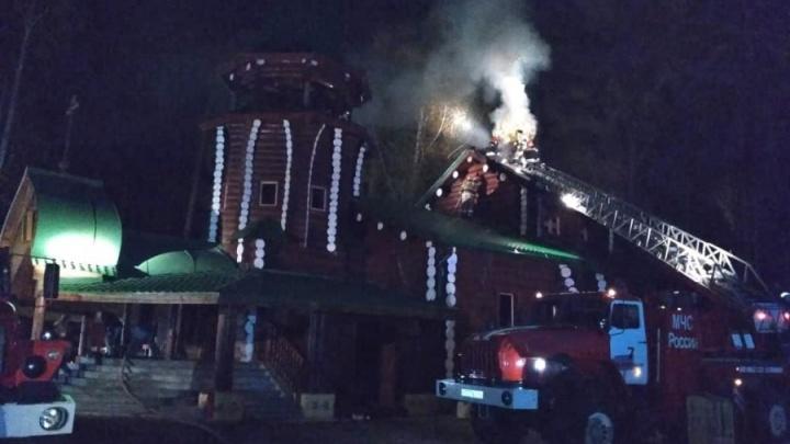 Парень, устроивший пожар в храме на Ганиной Яме, отделался условным сроком