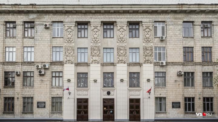 Студенты и посредник искренне раскаялись: в Волжском за взятки осудили преподавателя ВолгГТУ