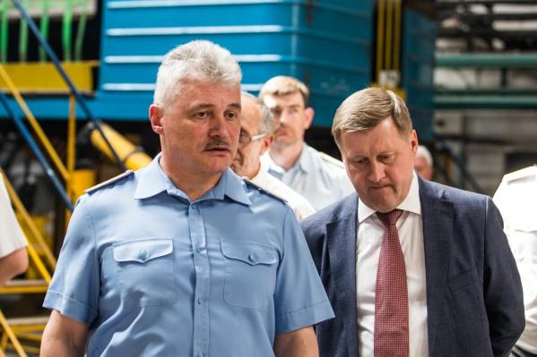 Начальник Новосибирского метрополитена Аркадий Чмыхайло и мэр Анатолий Локоть на презентации обновлённого поезда