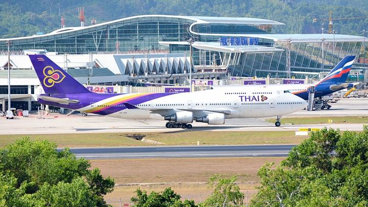 Самолёт Уфа — Пхукет, который сменил курс из-за неисправности, долетел доТаиланда