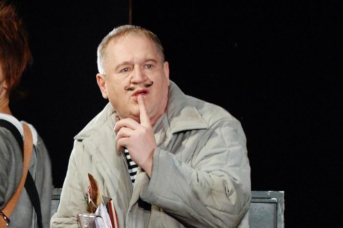 В Новосибирске от остановки сердца скончался российский актёр театра и кино Анатолий Узденский