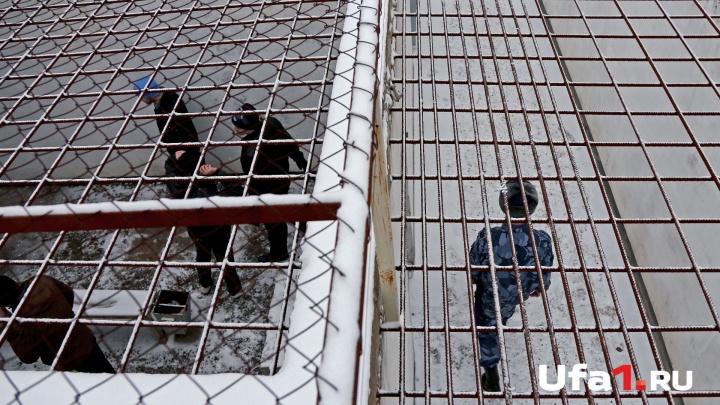 Убийство по найму: за жестокую расправу с мамой и дочкой житель Башкирии сядет на 15 лет