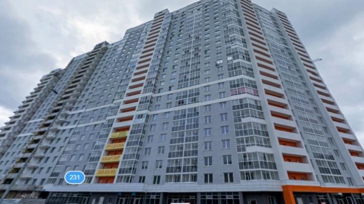Жители дома, которых выселяет УрО РАН, обжаловали запрет на поставку в их квартиры воды и тепла
