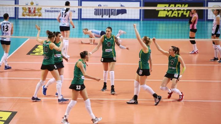 Волейболистки «Уралочки» вышли в лидеры в борьбе за бронзу чемпионата России