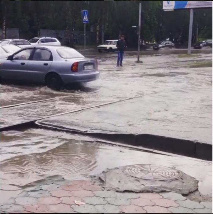 Затопленные дороги в Горском микрорайоне