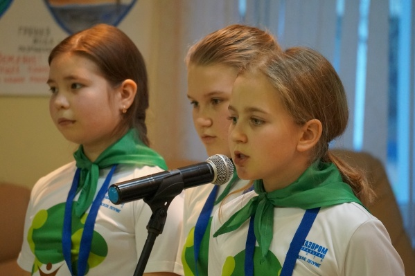 19 декабря около 100 детей приехали в Архангельск, чтобы поделиться своими исследовательскими проектами и опытами, которые помогут сделать этот мир чище, лучше, экологичнее