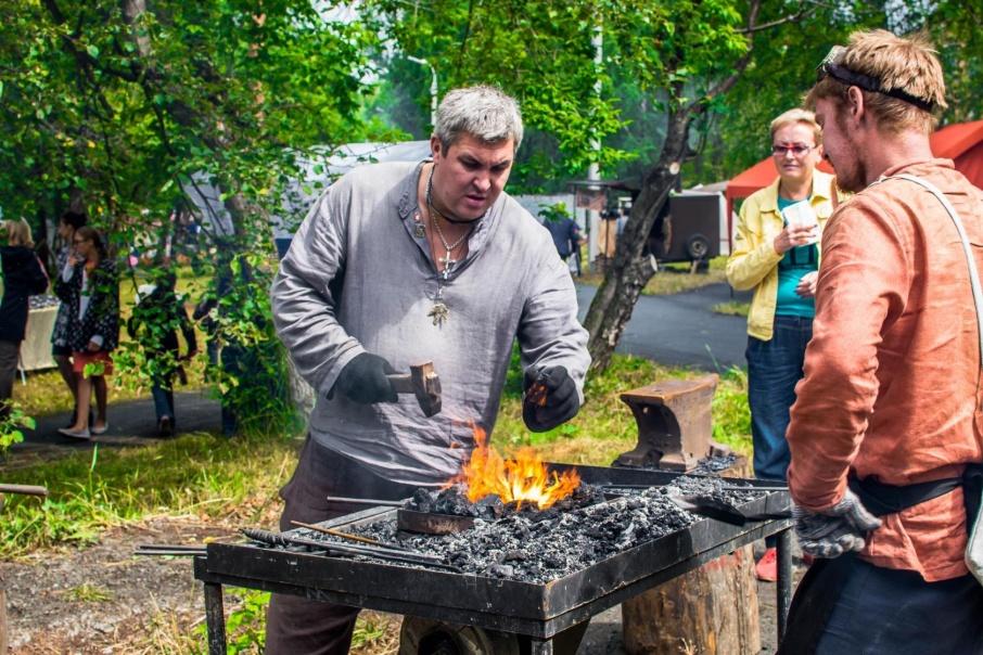 Для гостей фестиваля организуют экскурсии на оружейные фабрики